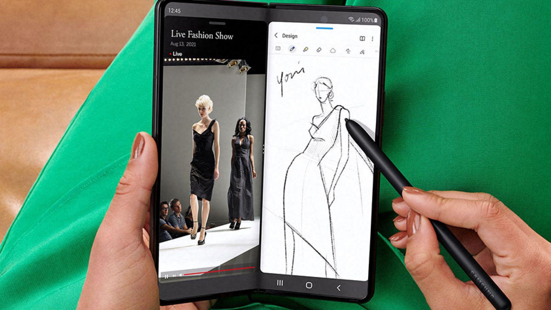 Как изглежда Samsung Galaxy Z Fold3 отвътре