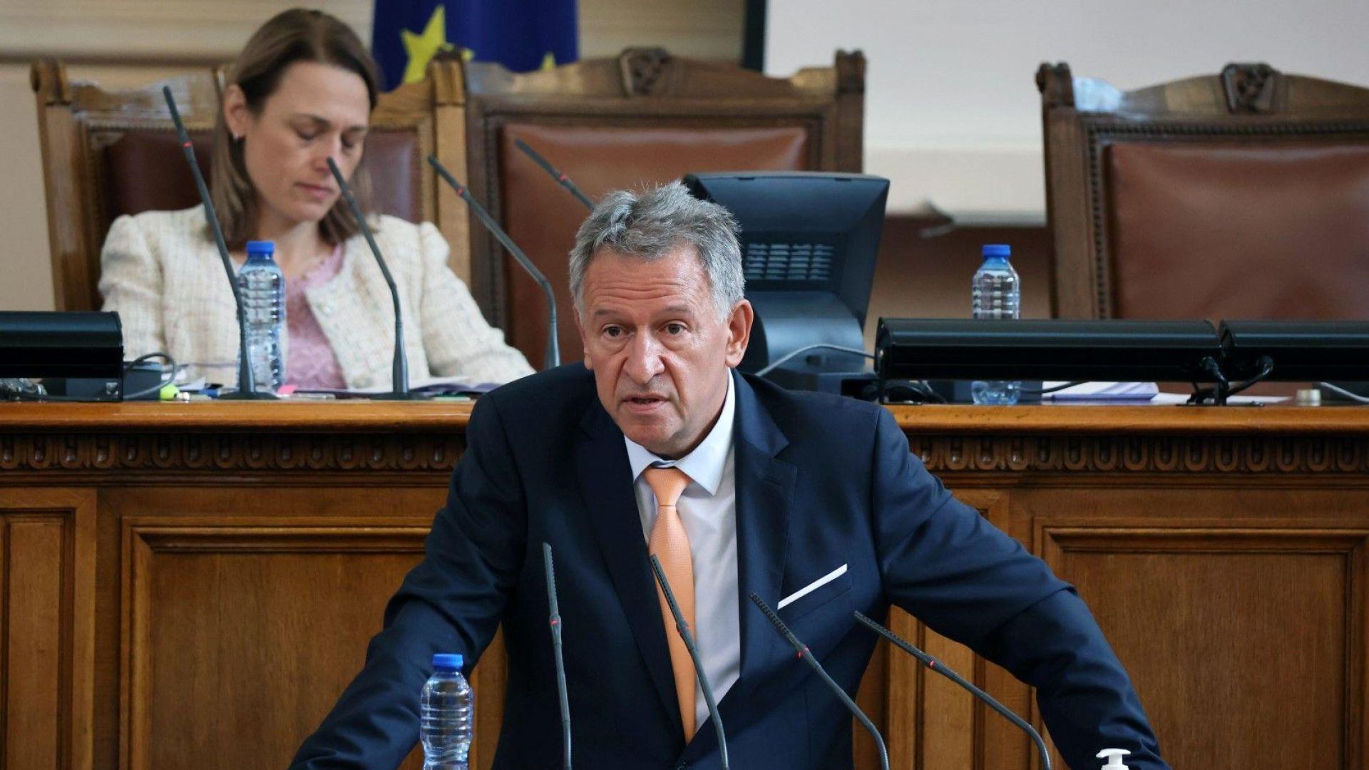 Кацаров: 220 млн. лева, заложени в актуализацията на бюджета на Здравната каса, са достатъчни
