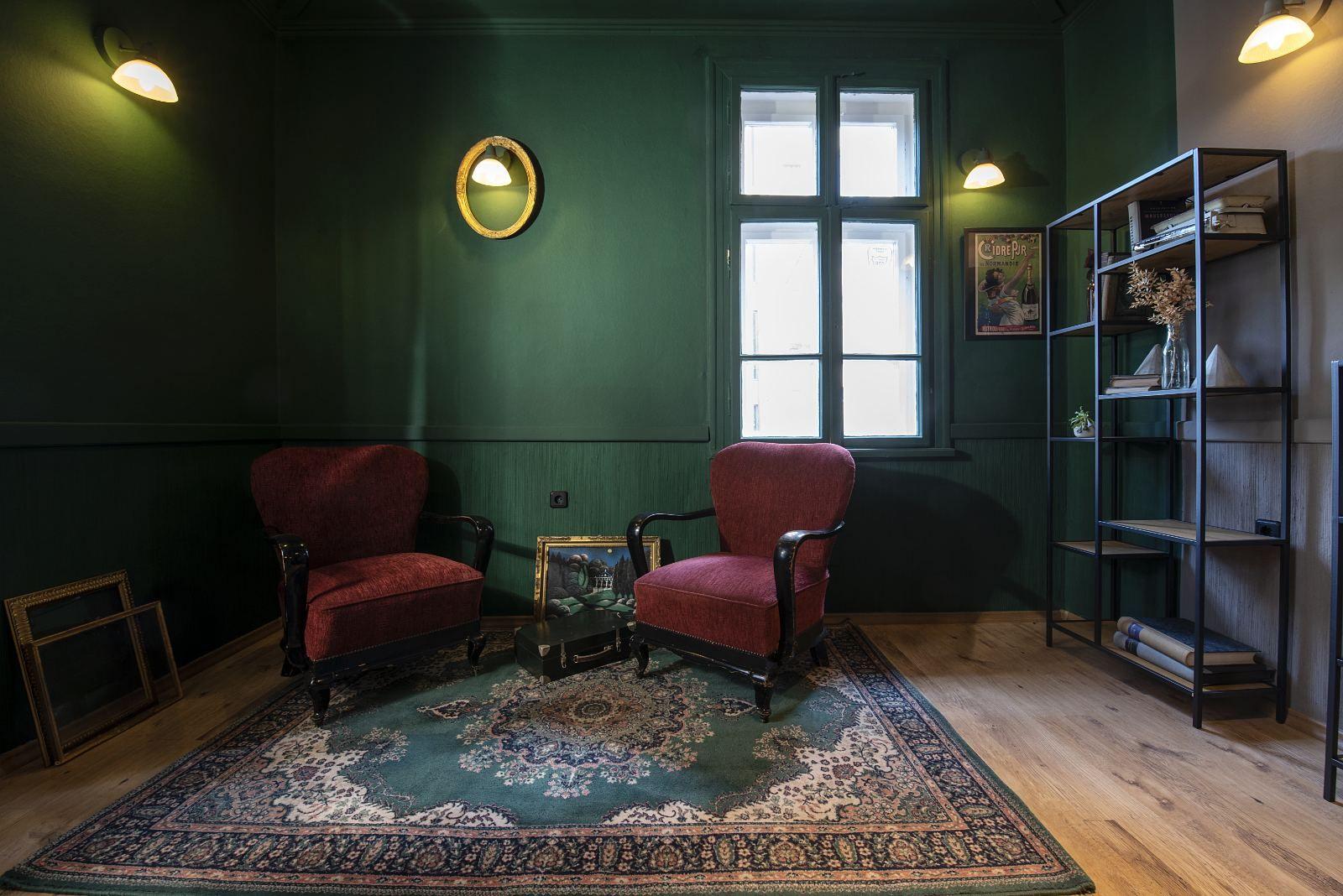 Любимите кресла на Евгения