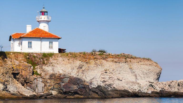 Света Анастасия - единственият обитаем остров по Българското Черноморие