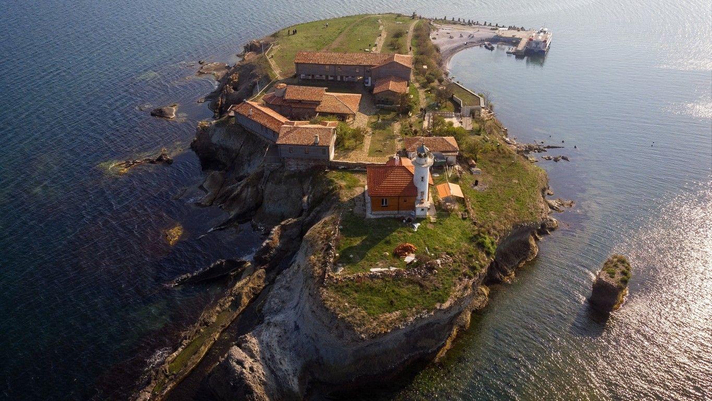 Поглед отвисоко към остров Света Анастасия