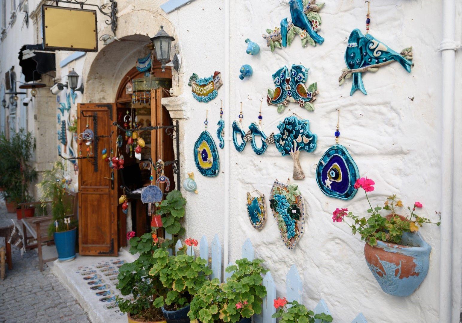 Магазин за сувенири в Алачатъ