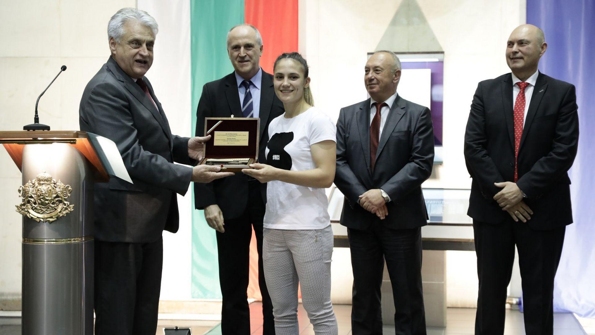 Олимпийската шампионка Ивет Горанова става служител на МВР