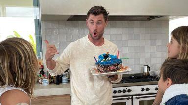 Децата на Крис Хемсуърт го изненадаха със собственоръчно направена торта за рождения му ден
