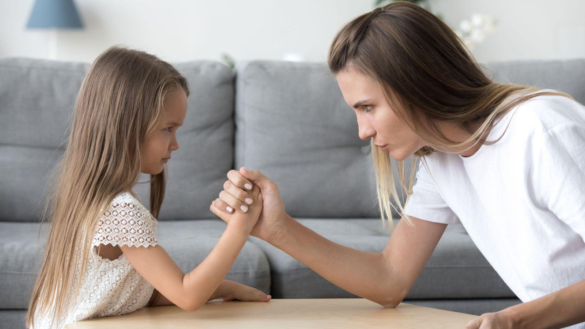 Родители споделят забавни трикове на обратната психология, дали резултат при техните деца