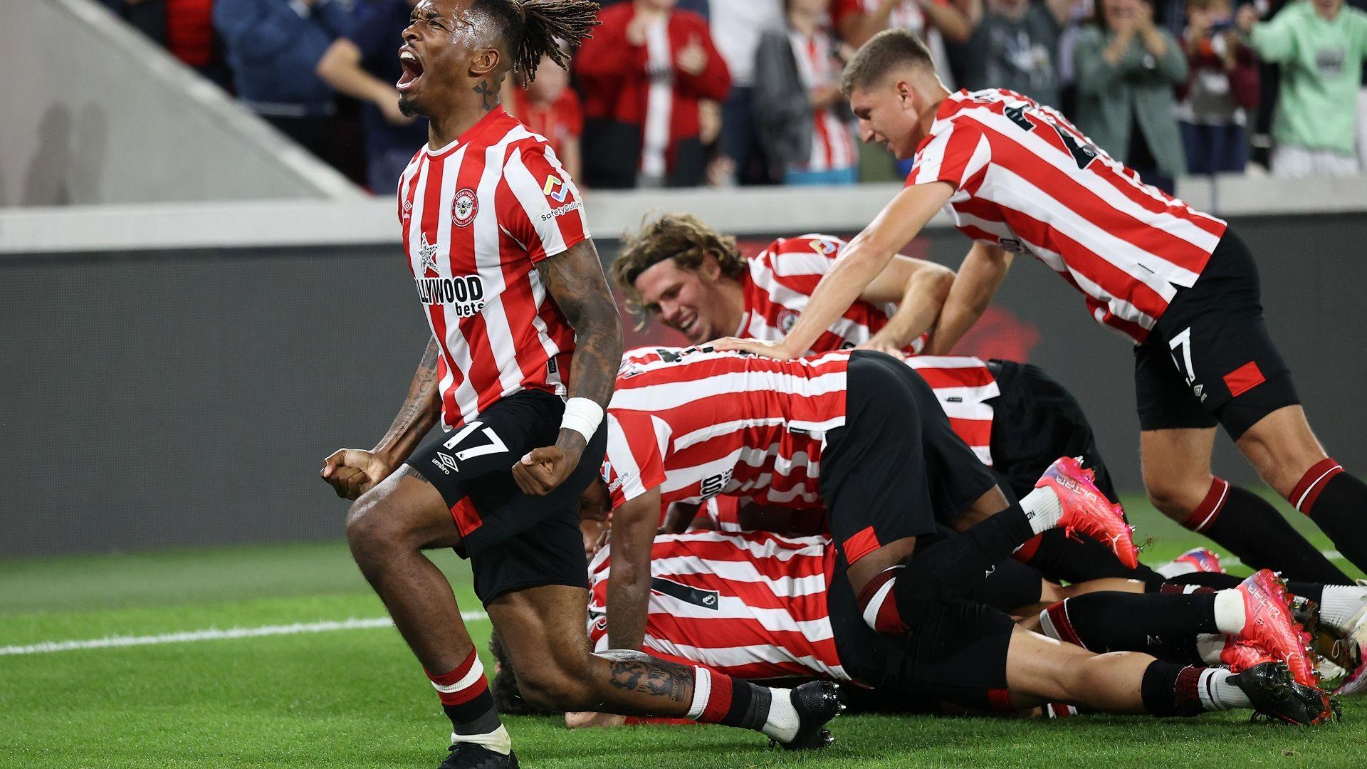 """""""Пчеличките"""" ужилиха слаб Арсенал в откриващия мач на Висшата лига"""