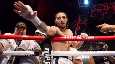Внукът на Мохамед Али пристъпи с победа в професионалния бокс