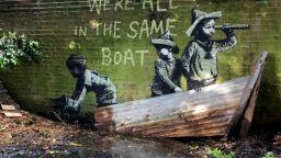 """Банкси с нова серия графити - """"Голямата британска спрей ваканция"""""""