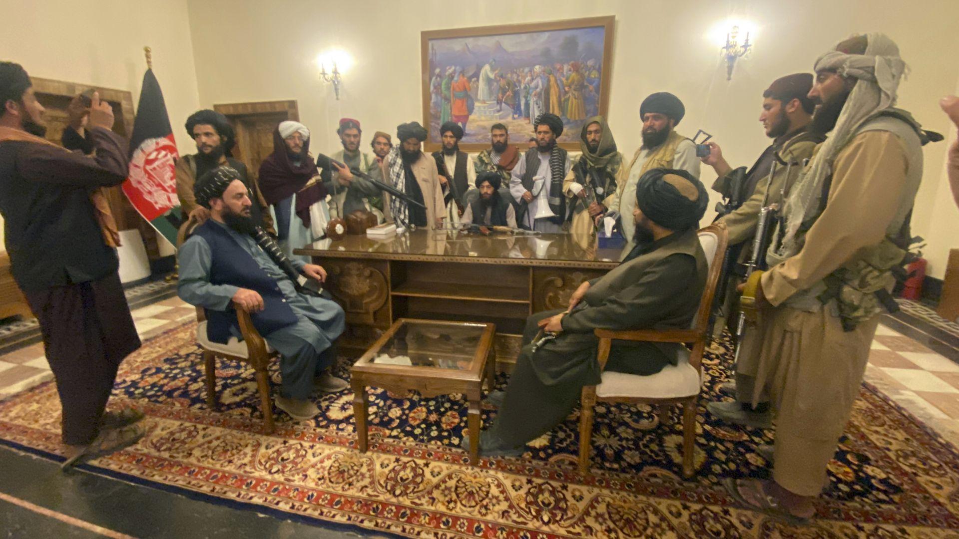 """""""Ал Кайда"""" поздрави талибаните за """"историческата победа"""" в Афганистан"""