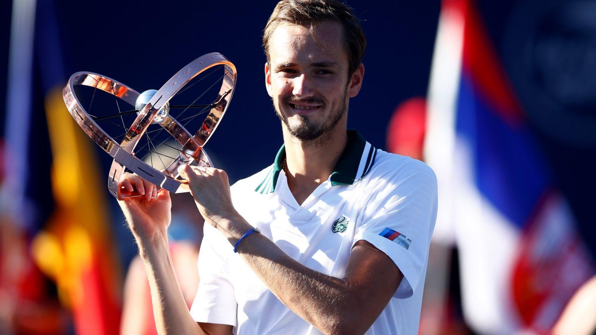 Безпощаден Медведев спечели Мастърс титла №4 в Торонто