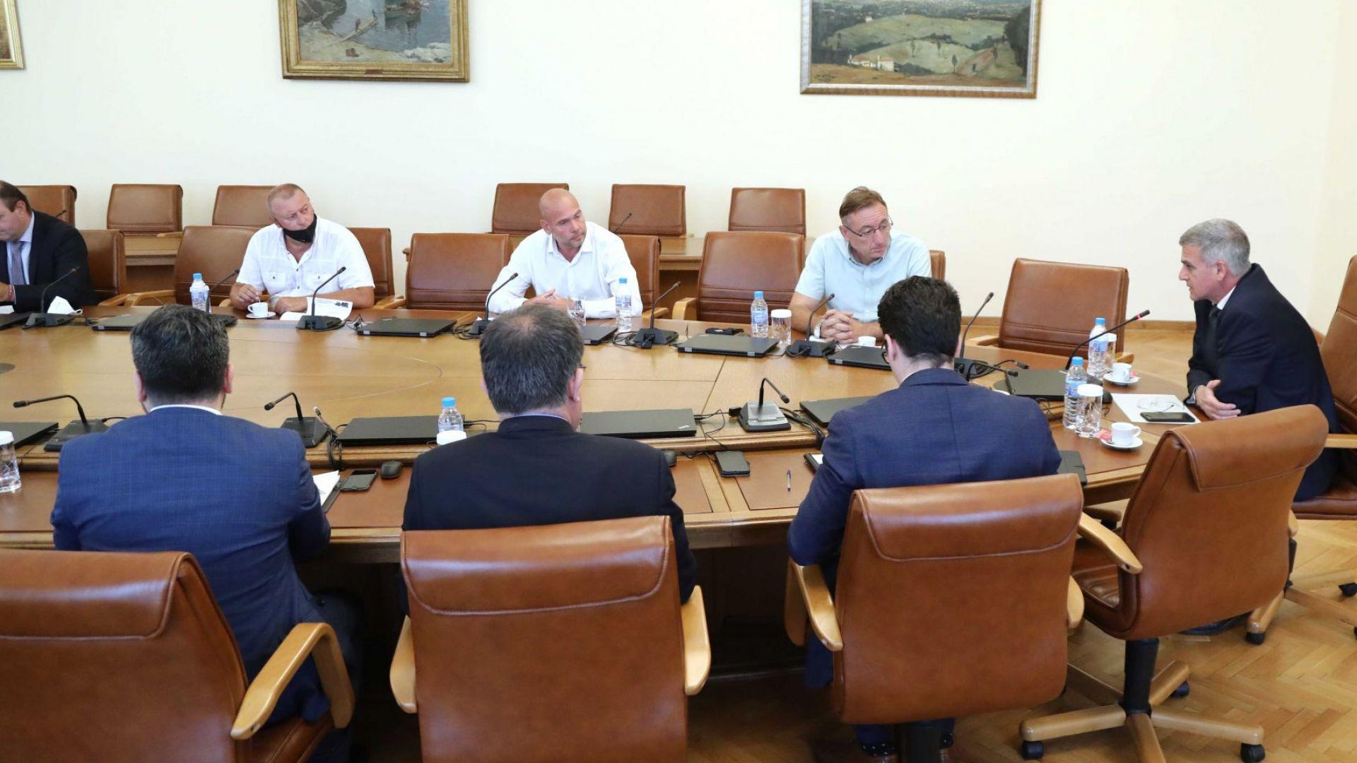 Стефан Янев: Работим за продоволствена сигурност на страната