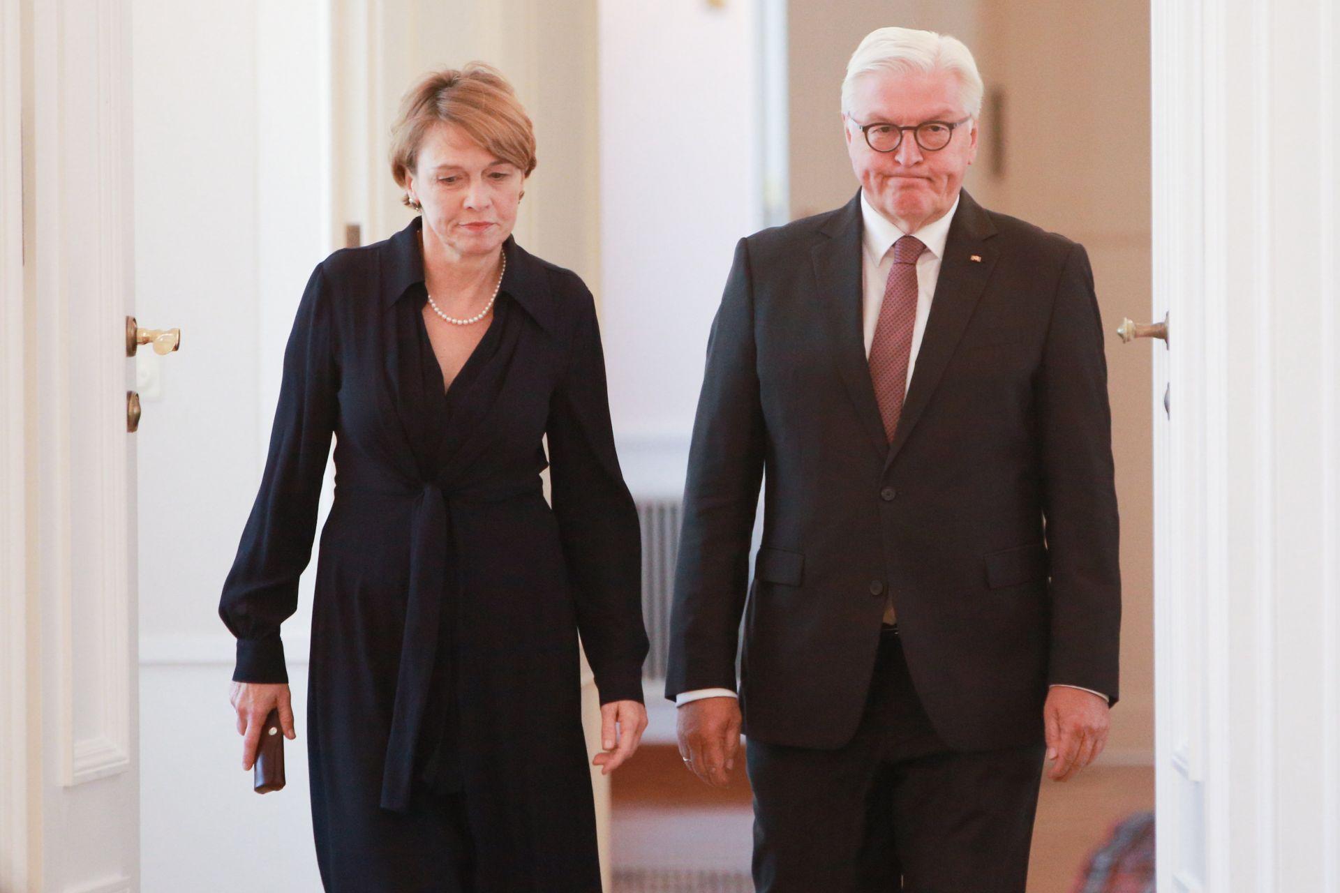 Германският президент Франк-Валтер Щайнмайер и жена му Елке Бюденбендер