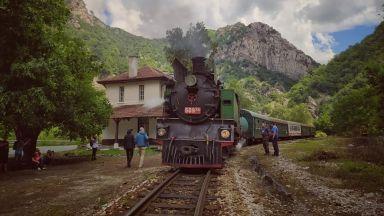 Около 6 септември теснолинейката ще пътува с парен локомотив