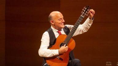Световноизвестният композитор и китарист Арно Дюмон за първи път с концерти в България