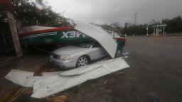 """Бурята """"Фред"""" потопи Северна Каролина и взе жертви. Ураганът """"Грейс"""" помете Юкатан"""