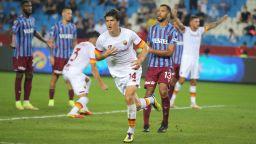 """Узбек даде победен старт на ерата """"Моуриньо"""" в Рома (Резултати)"""