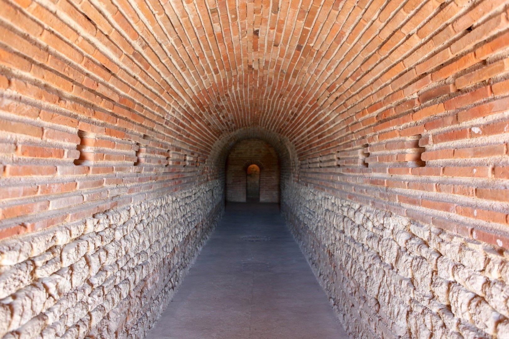 Пътят към камерата на Кухата могила