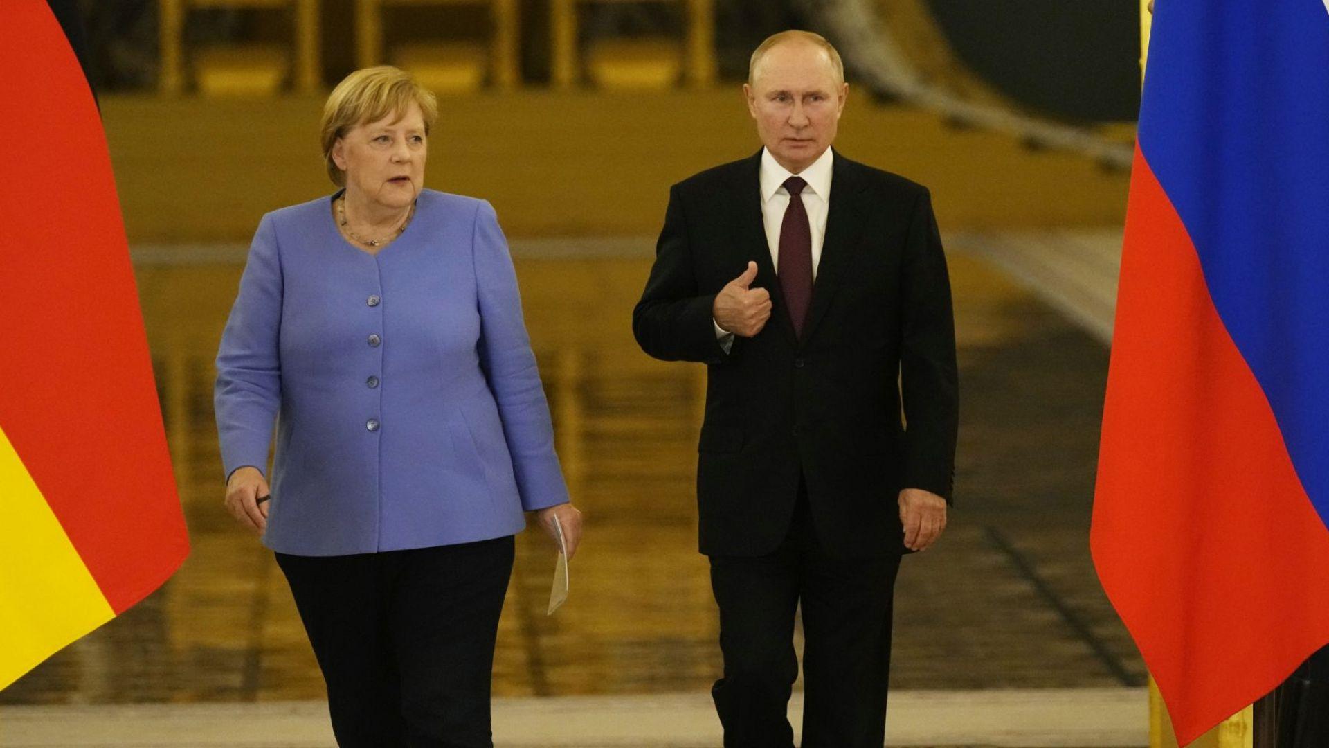 Путин и Меркел обсъдиха Северен поток-2: Само 15 км остават, за да бъде завършен