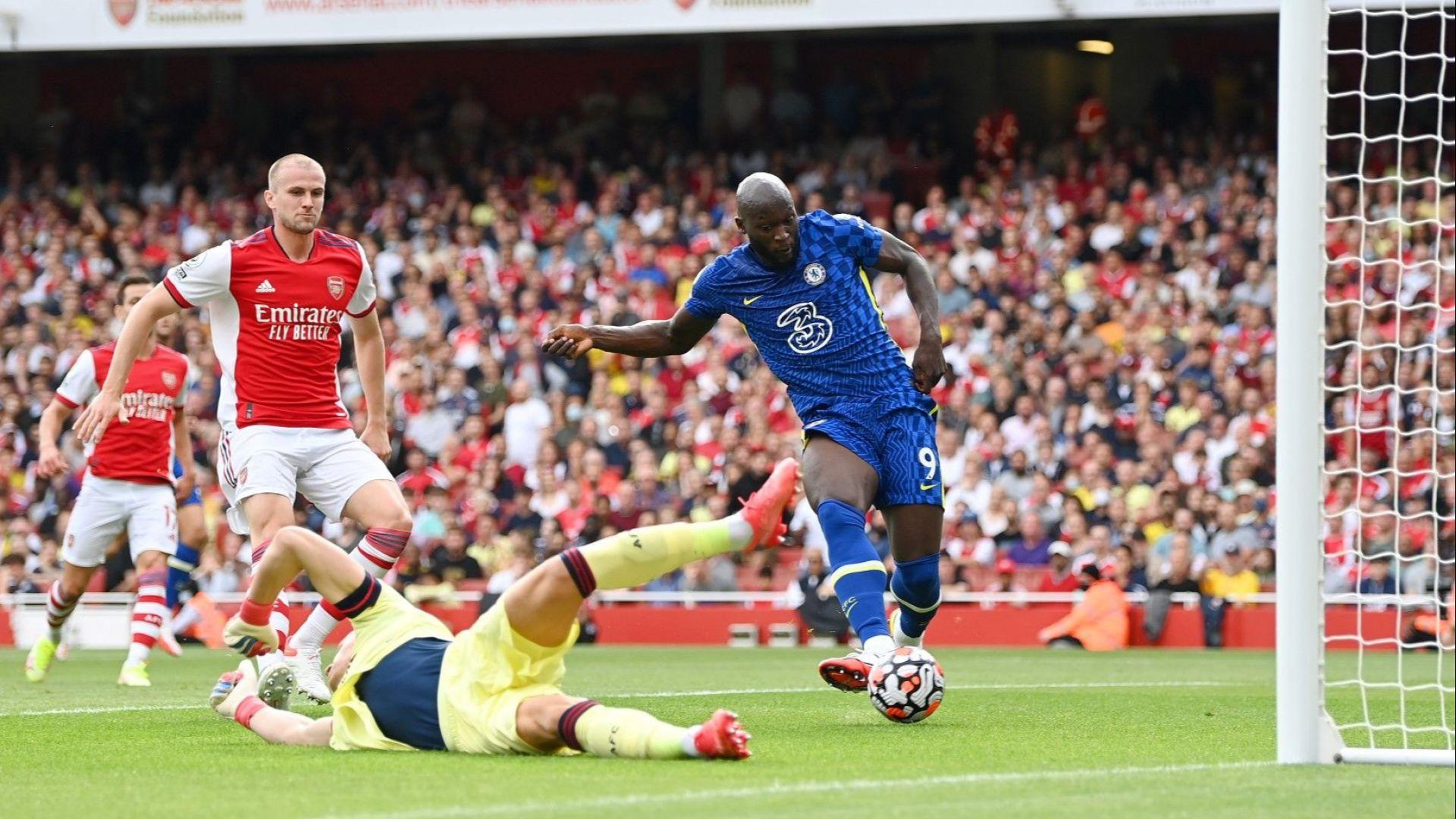 Челси не даде никакъв шанс на Арсенал, а 300-милионният Лукаку се завърна с гол