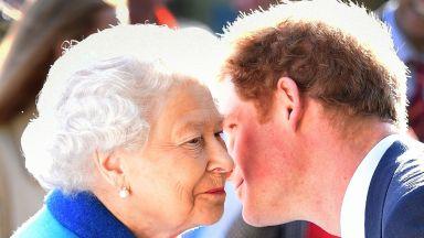 Кралица Елизабет Втора може да съди принц Хари за клевета