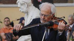 Йосиф Радионов на 70 с музиканти от цял свят