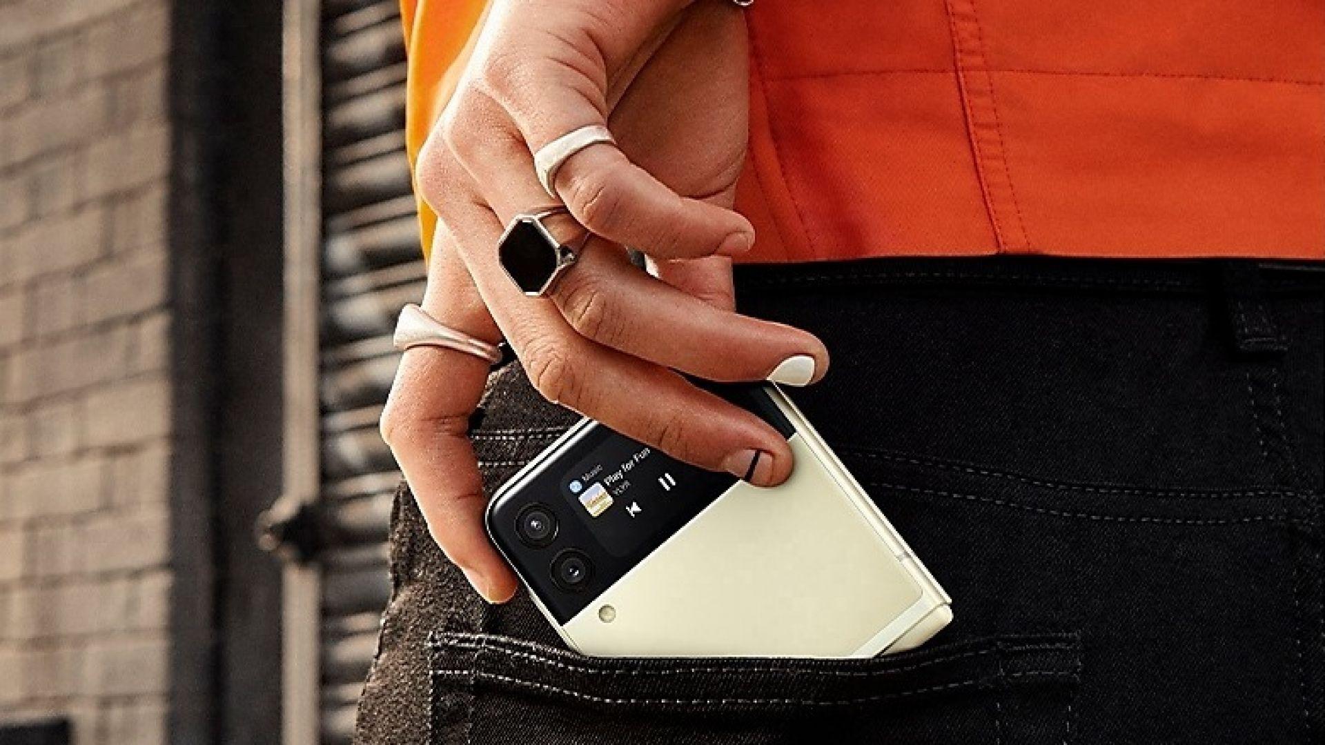 Новите сгъваеми телефони на Samsung се радват на голям интерес в Корея
