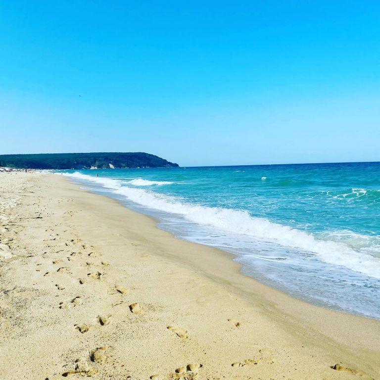 Софийски стъпки по пясъка
