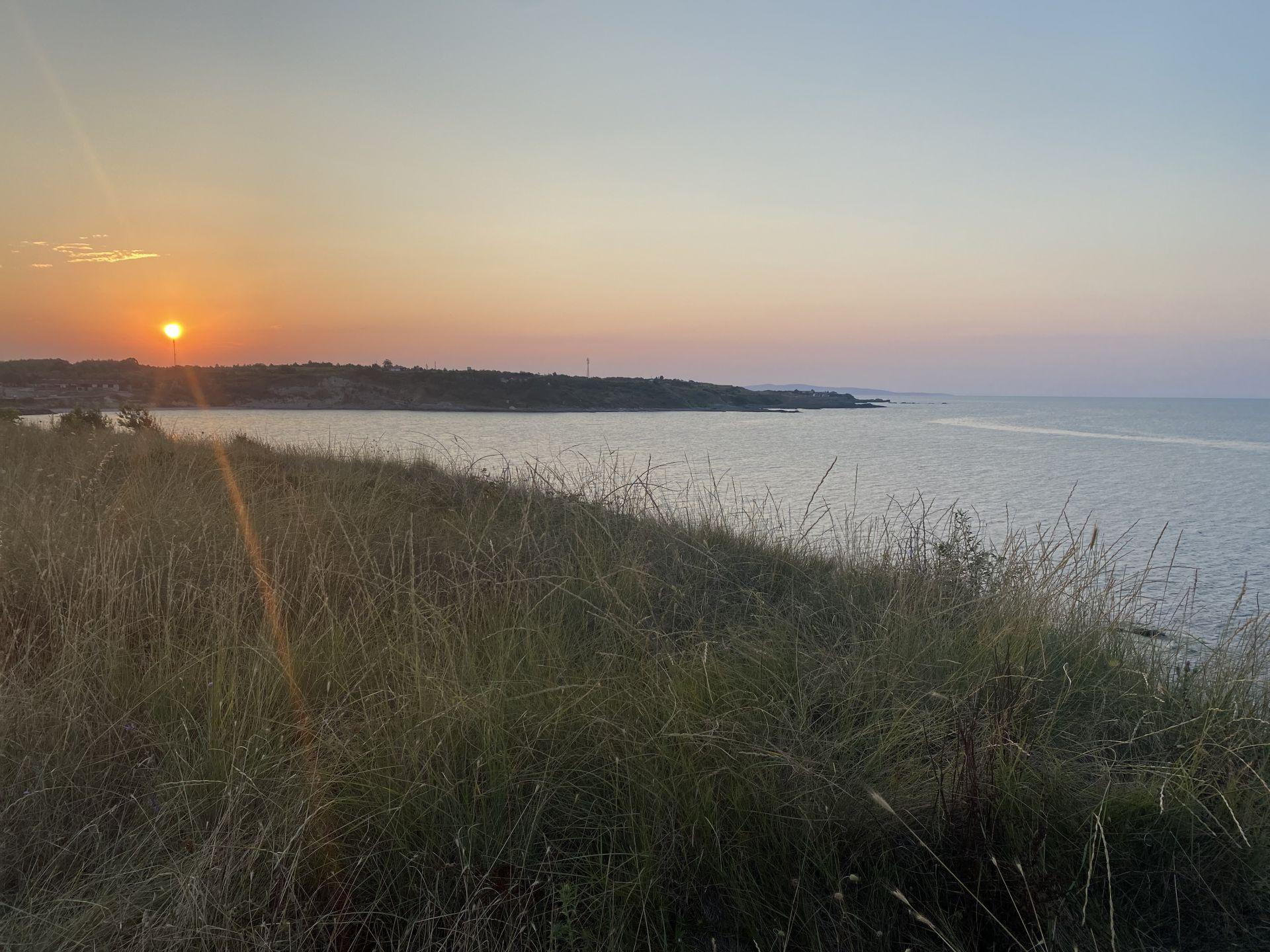Пътят на Север е живописен по залез слънце