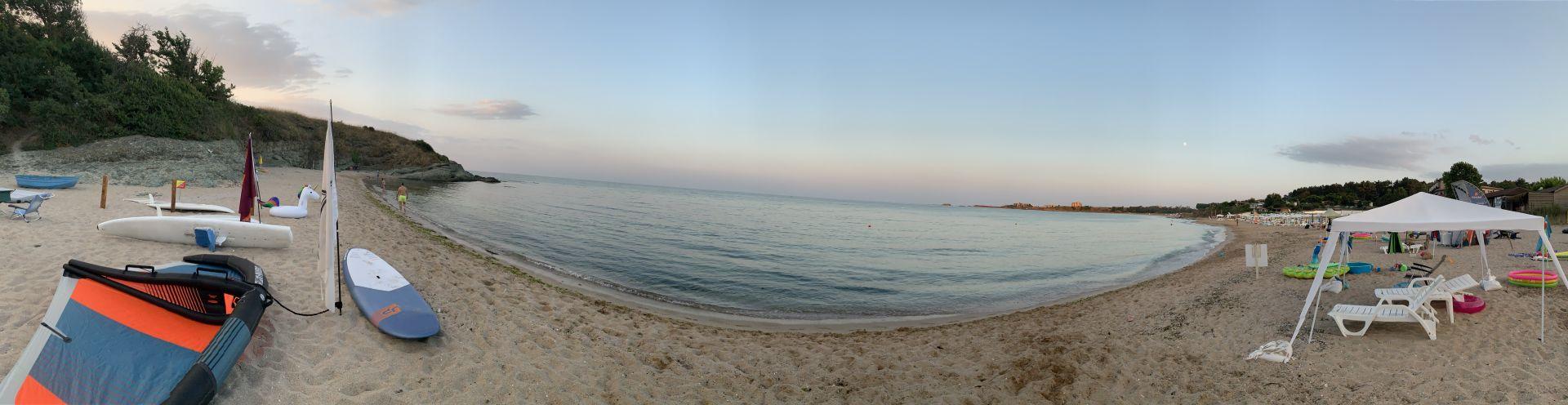 Панорама към южния плаж край Китен