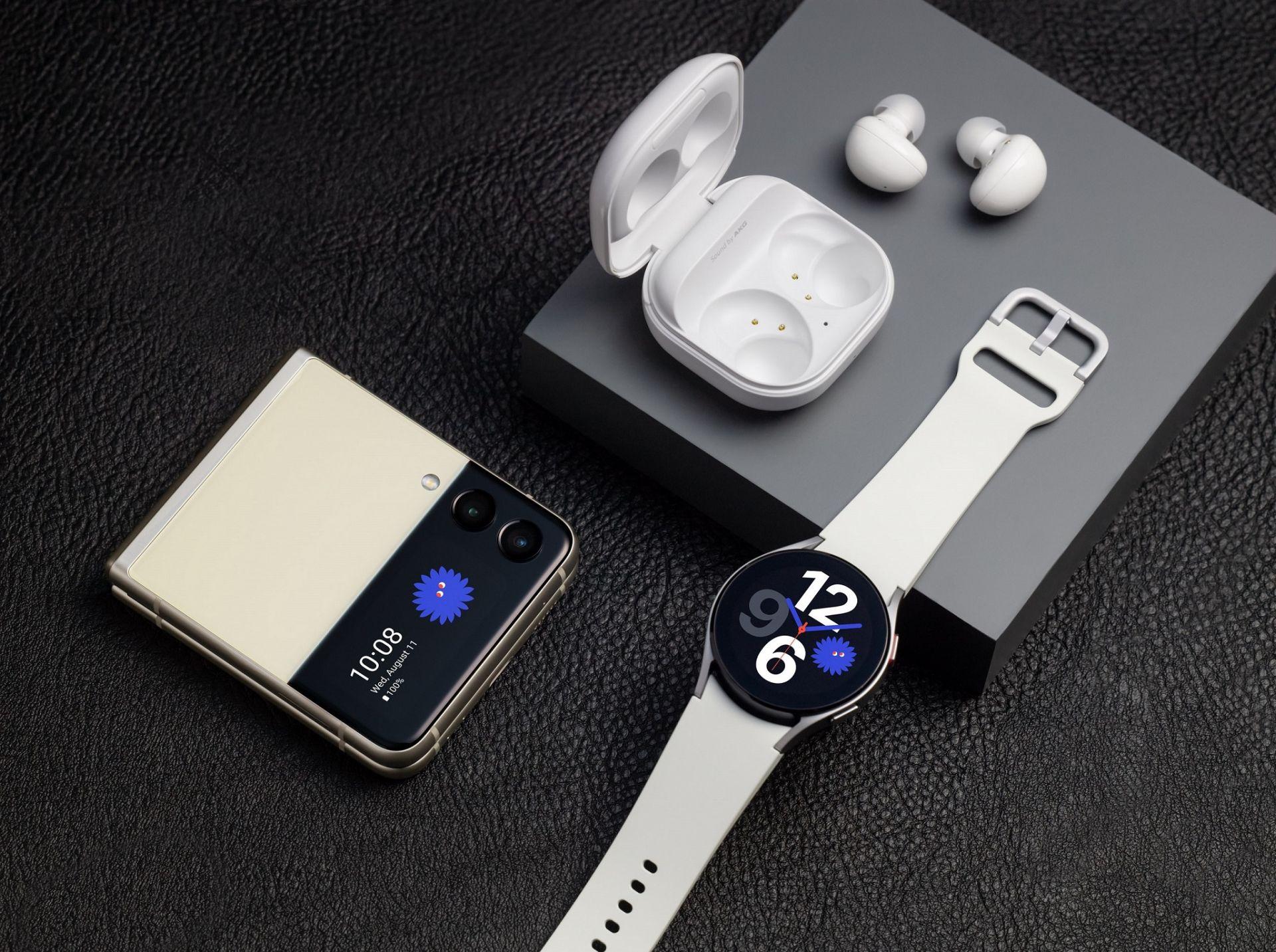 Samsung Galaxy Z Flip3 5G, Samsung Galaxy Watch4