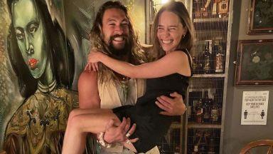 """Звездите от """"Игра на тронове"""" Емилия Кларк и Джейсън Момоа отново заедно"""