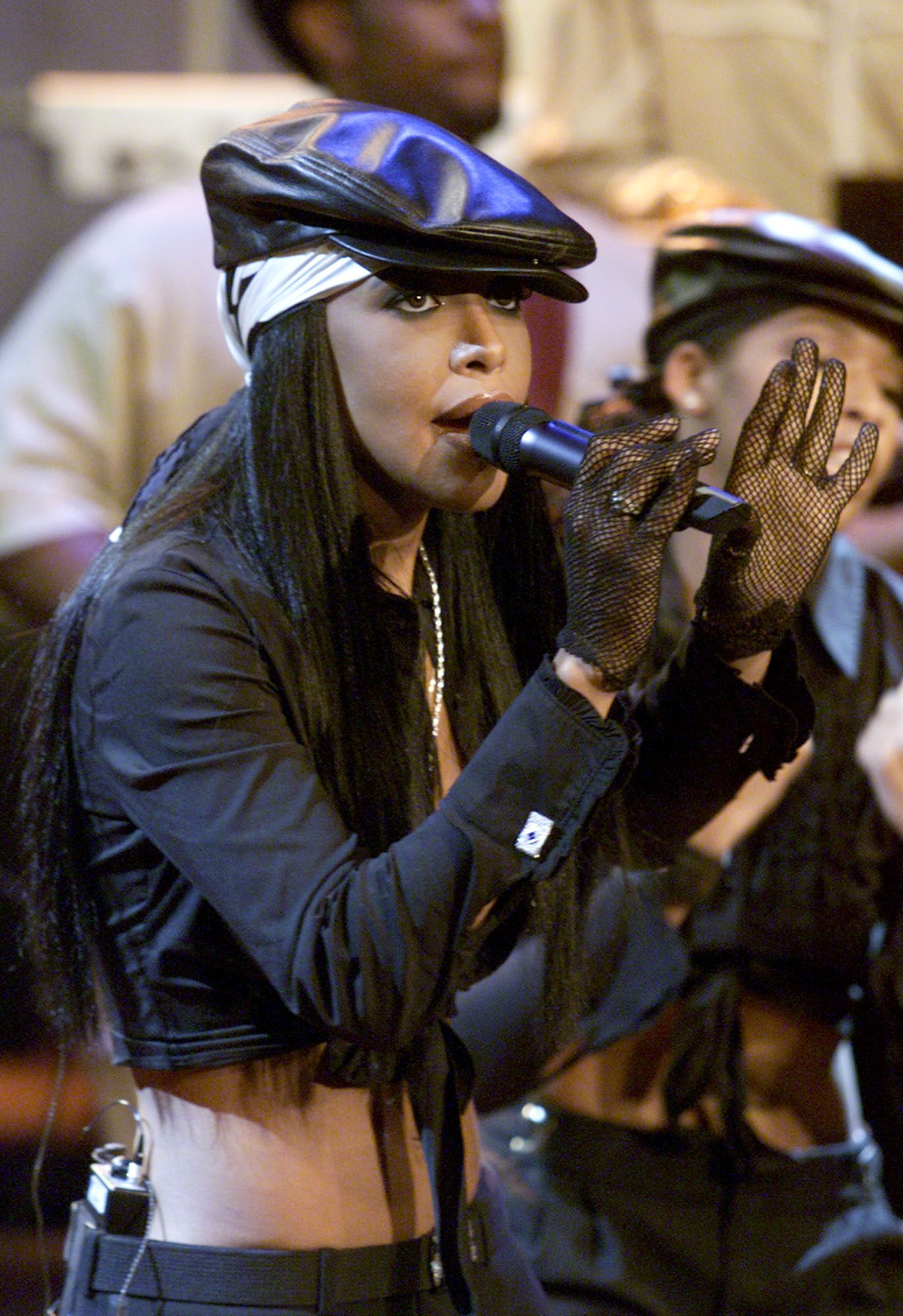 Певицата обожаваше да се носи в черно и с очила