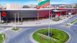 Търговско-развлекателният комплекс Фантастико в Перник отвори врати