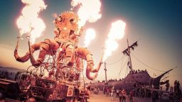 Burning man: Изкуство върху огън - на Sofia Summer Fest