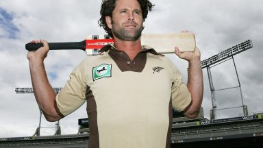 Легенда на крикета е парализиран след сърдечна операция