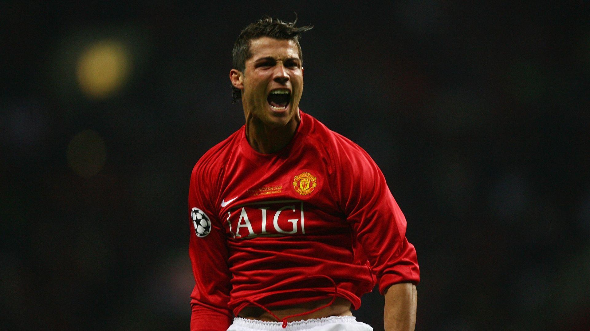 Официално: 12 години по-късно, Кристиано Роналдо се завърна в Манчестър Юнайтед
