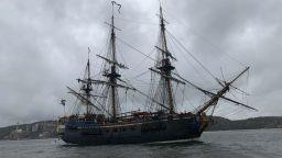 Реплика на шведски търговски кораб от 18 век се готви за плаване към Азия