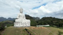 Статуя на Буда - по-висока от статуята на Христос Спасител в Рио де Жанейро, беше открита в Бразилия