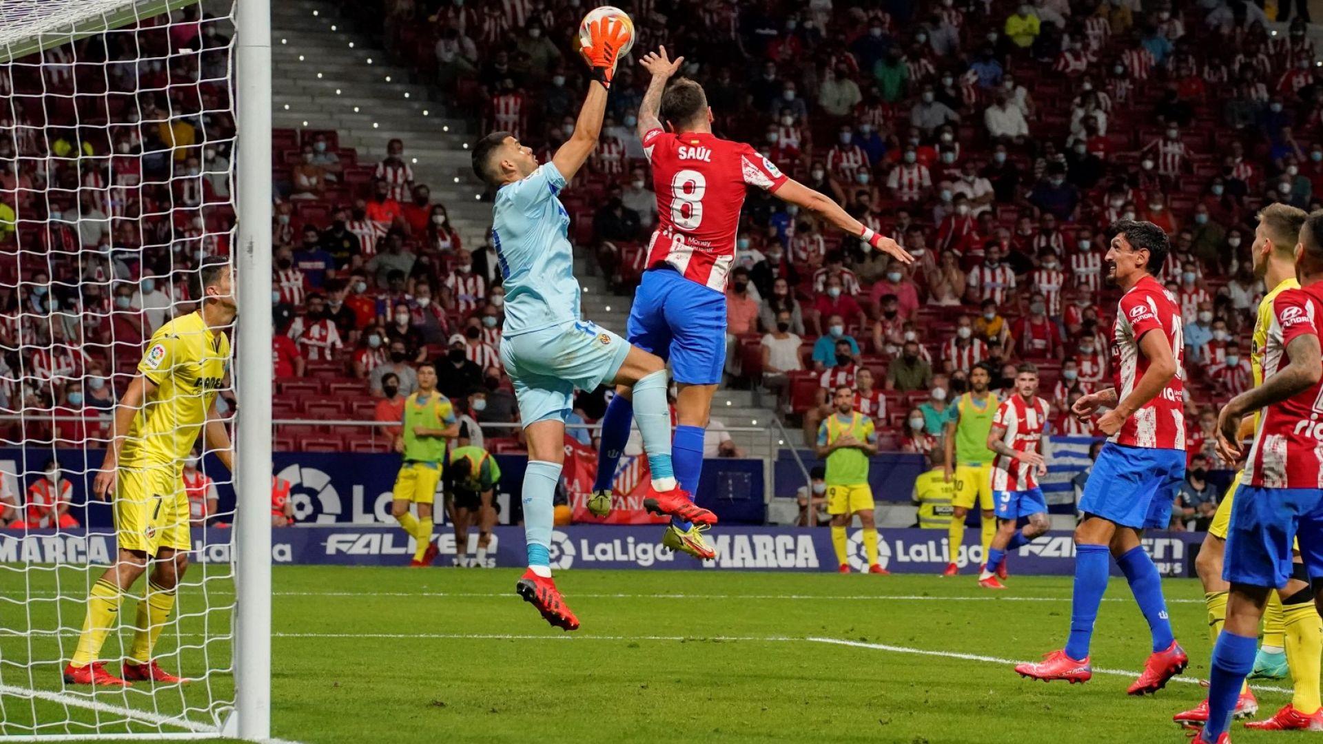 Идиотски автогол спаси шампиона Атлетико в последните секунди
