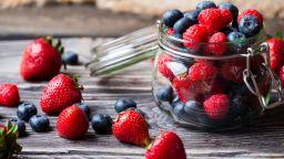 Боровинките и ягодите понижават риска от инфаркт