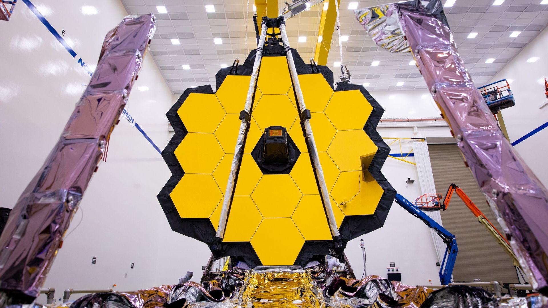 """Орбиталният телескоп """"Джеймс Уеб"""" завърши най-трудното си пътуване"""