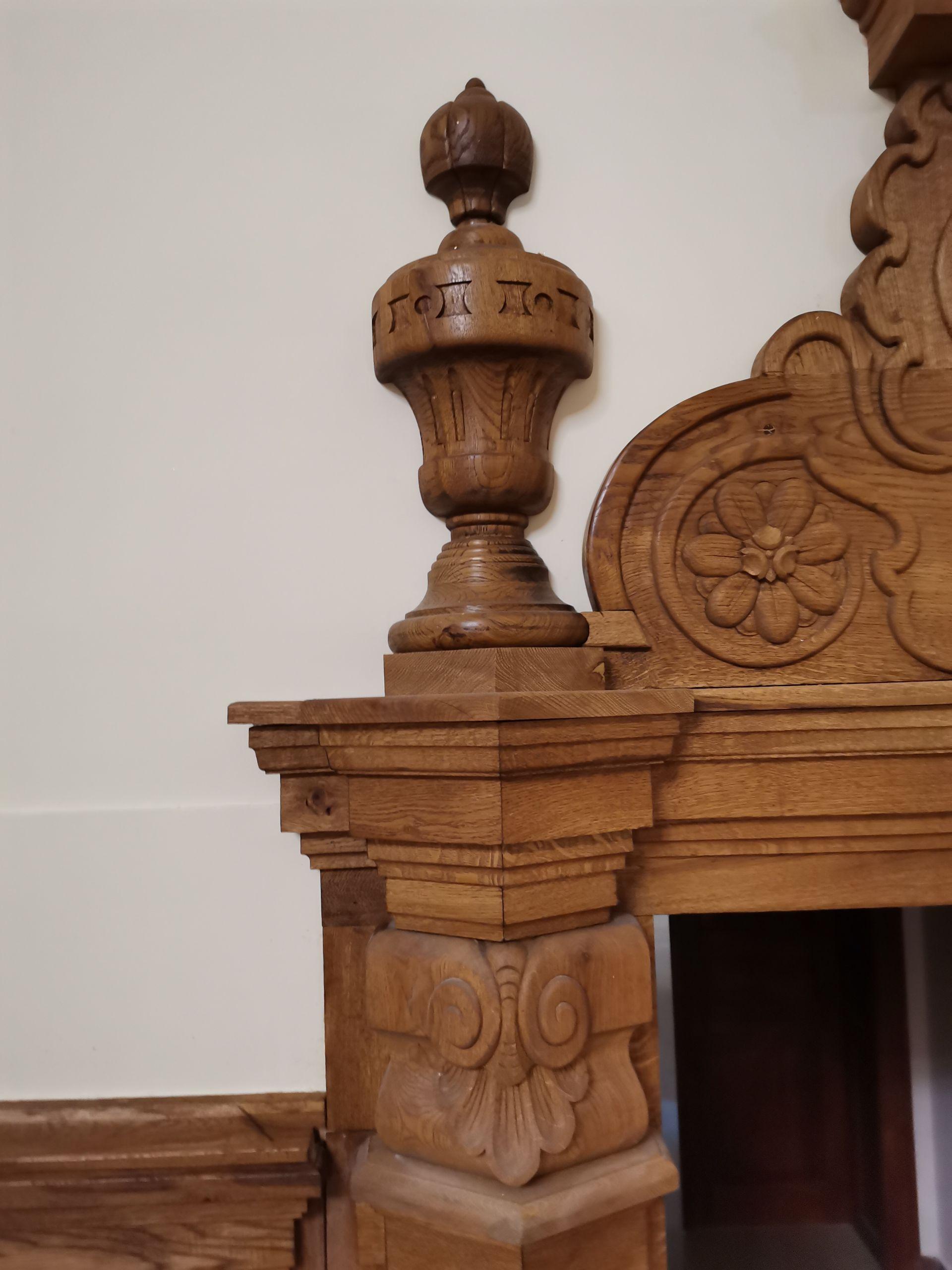 През 2018г. Иван Ценкин получава уникалната възможност да изработи с екип от хора два портала за главното фоайе на вековната сградата. С екип от трима души в рамките на две години им бе поверена направата на всички дървени части в това число петдесет врати, два портала, две дървени стълбища, ламперия и кръгли прозорци, както и реставрацията на още 20 стогодишни врати