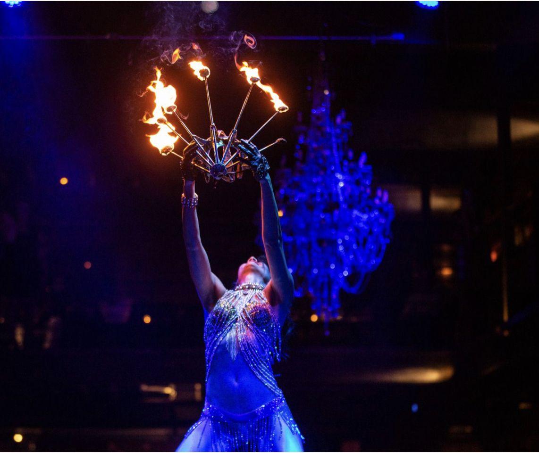 Не случайно тя е една от първите българи, стигнали до фестивала Burning MAn, който се провежда всяка година по една седмица в пустинята Невада
