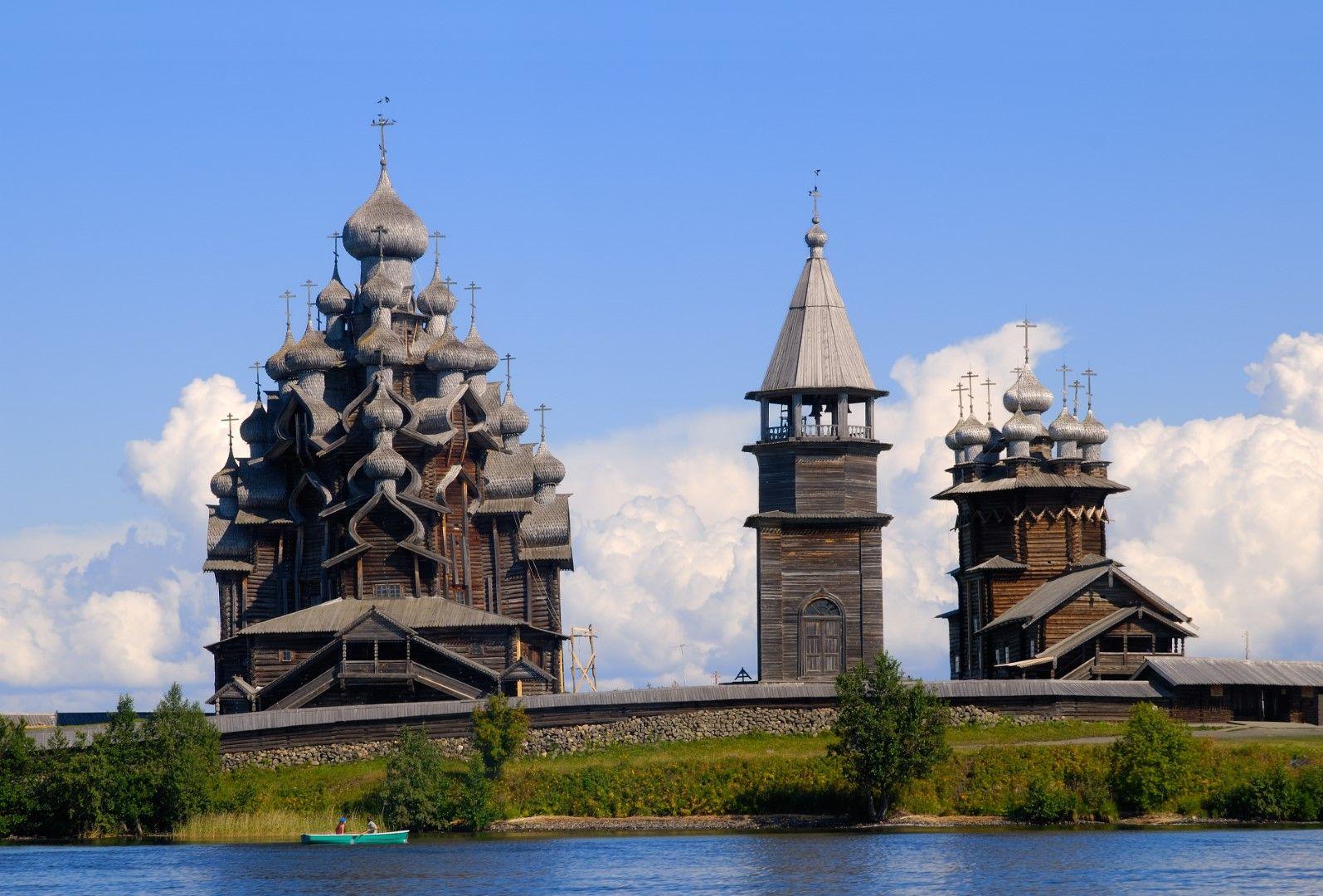 Ошевинский погост: Дървени църкви от XVIII век