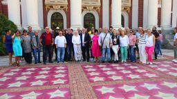 Водосвет и звезди за откриването на новия сезон на Народния театър (снимки)