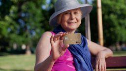 300 безплатни сметки на месец за пенсионери от EasyPay