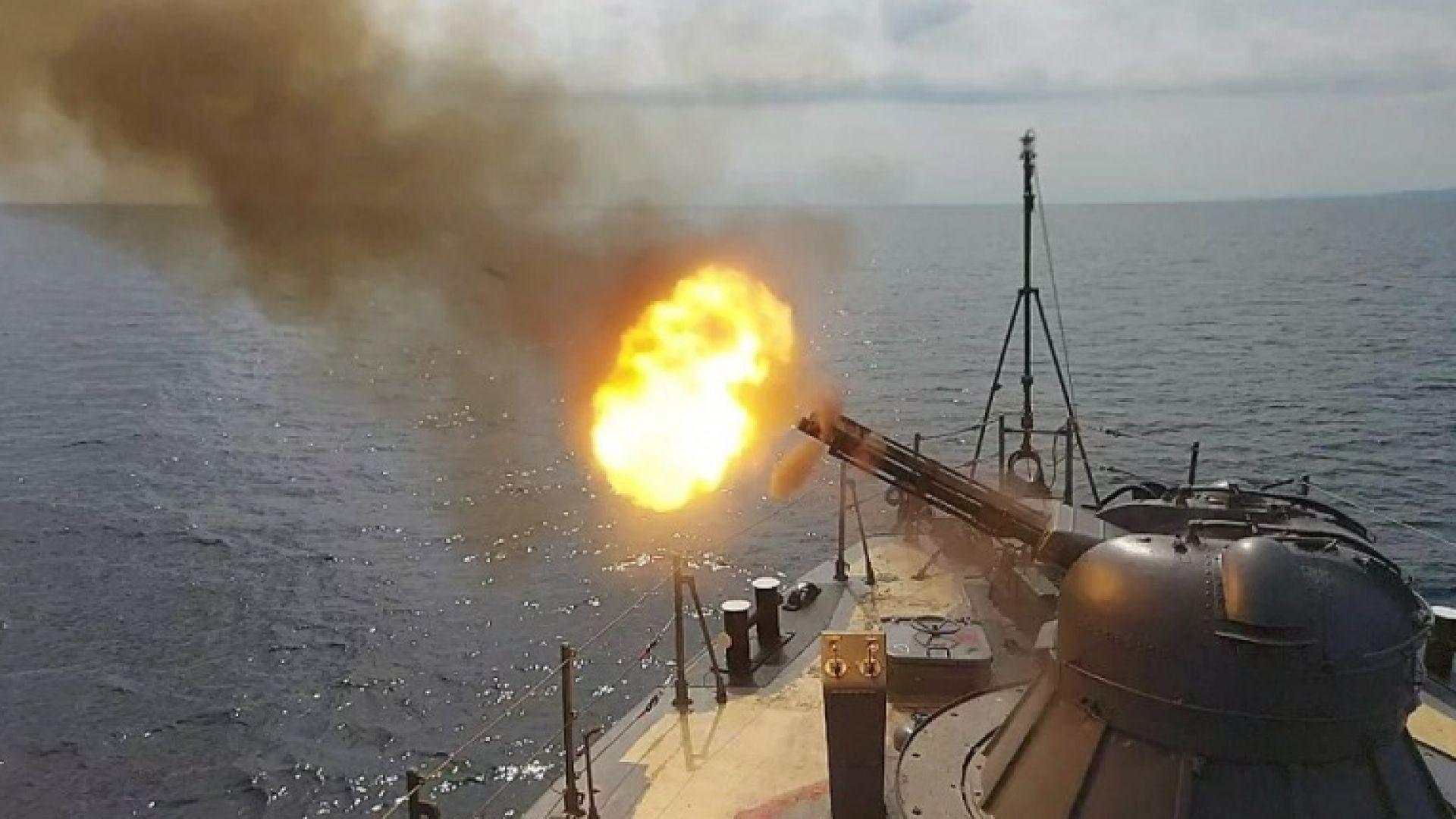 Бойни кораби  тренират защита от ядрено оръжие в Черно море (снимки)