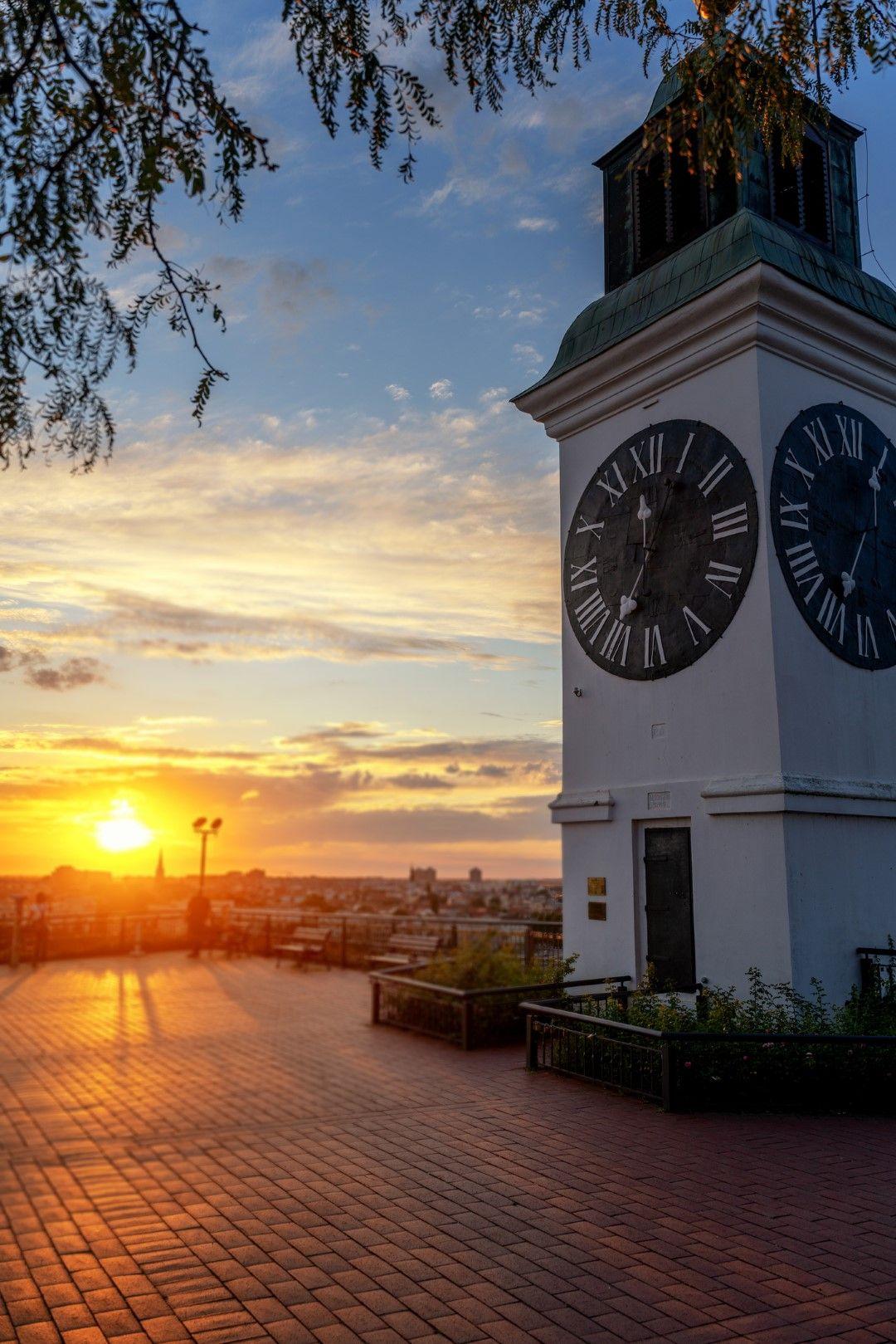 Часовниковата кула на Петроварадинската  крепост