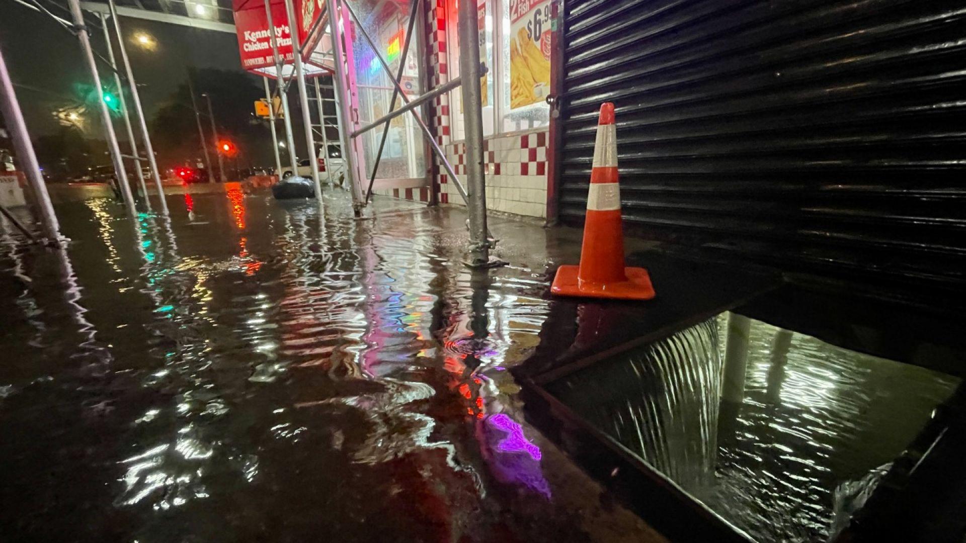 """Ураганът """"Айда"""" опустоши Ню Йорк и Ню Джърси и взе жертви (снимки и видео)"""