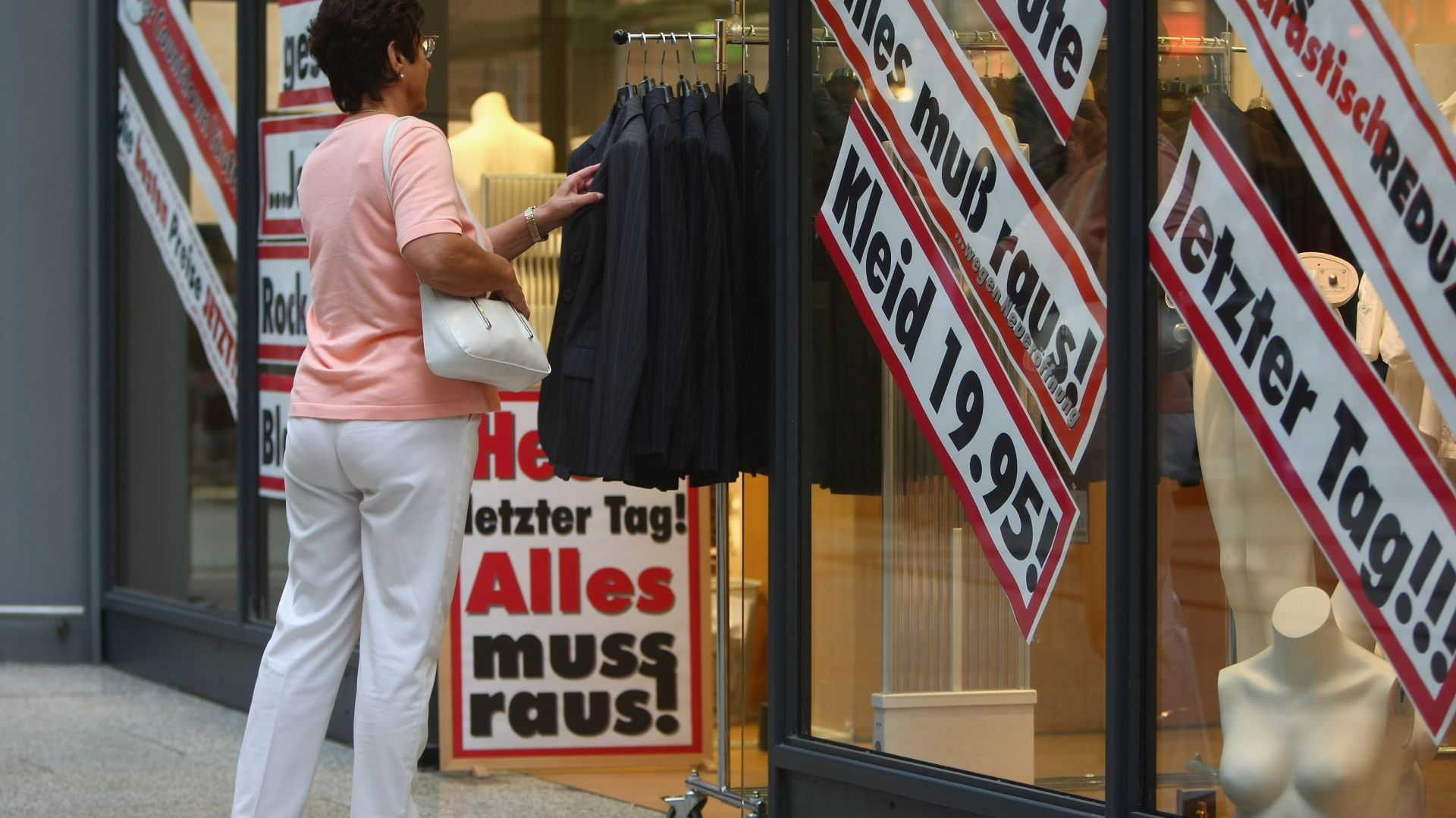 Най-високата инфлация от четвърт век връхлетя Германия, хората масово купуват злато